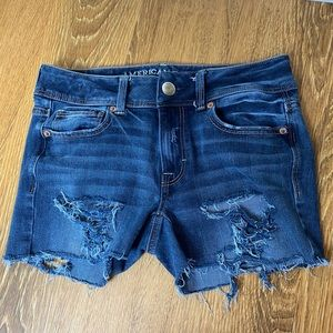 American Eagle size 2 ripped distress jean short